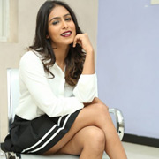 Actress Samyuktha Hegde Glamour Photos,Actress Samyuktha Hegde Glamour Images,Actress Samyuktha Hegde Glamour Gallery,Actress Samyuktha Hegde Glamour Album - Cinema Dinakaran
