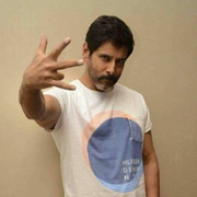 Actor Vikram Photos,Actor Vikram Images,Actor Vikram Gallery,Actor Vikram Album - Cinema Dinakaran