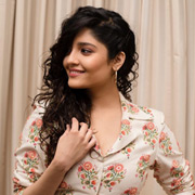 Actress Ritika Singh Photos,Actress Ritika Singh Images,Actress Ritika Singh Gallery,Actress Ritika Singh Album - Cinema Dinakaran