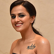 Actress Shraddha Srinath Photos,Actress Shraddha Srinath Images,Actress Shraddha Srinath Gallery,Actress Shraddha Srinath Album - Cinema Dinakaran