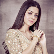 Actress Vedhika Photos,Actress Vedhika Images,Actress Vedhika Gallery,Actress Vedhika Album - Cinema Dinakaran